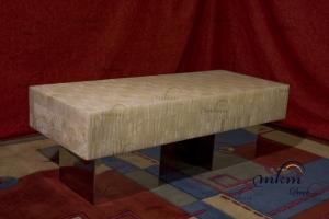 Mesa rectangular de onix con bases de inox - Dimensiones: 120 x 40 x 35 cm - Iluminación bajo consumo incluida
