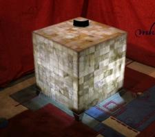 Mesa cuadrada de Onix con patas cromadas  - Dimensiones: 50 x 50 x 55 cm - Iluminación bajo consumo incluida