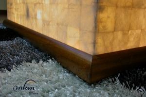 Detalle base de madera para mesas de Onix