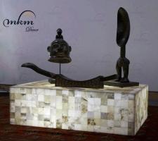 Mesa rectangular de onix - Dimensiones: 100 x 70 x 30 cm - Iluminación bajo consumo incluida.