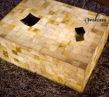 Detalle mesas de Onix - Iluminación bajo consumo incluida.