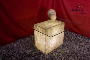 Mesa de esquina rectangular de Onix  - Dimensiones: 55 x 35 x 55 cm - Iluminación bajo consumo incluida.