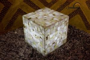 Mesa de esquina cuadrada de Onix - Dimensiones: 50 x 50 x 50 cm - Iluminación bajo consumo incluida.