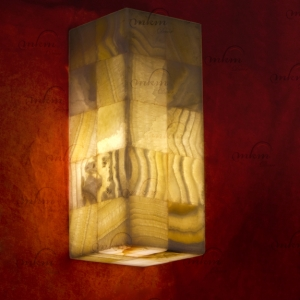 Aplique rectangular de Onix - Dimensiones: 10 x 10 x 25 cm - Solicite información sobre la medida que desee. Iluminación bajo consumo incluida