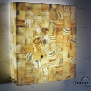 Apliques rectangulares de Onix - Dimensiones: 40 x 10 x 50 cm - Solicite información sobre la medida que desee. Iluminación bajo consumo incluida