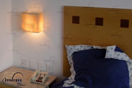 Aplique macizo de Onix - Dimensiones: 22 x 12 x 22 cm - Solicite información sobre la medida que desee. Iluminación bajo consumo incluida