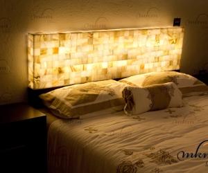 Cabecero de Onix - Dimensiones: 150 x 40 x 10 cm - Solicite información sobre la medida que desee. Iluminación bajo consumo incluida
