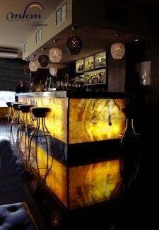 Muestra de barra de bar de onix -  Solicite información sobre la medida que desee. Iluminación bajo consumo incluida